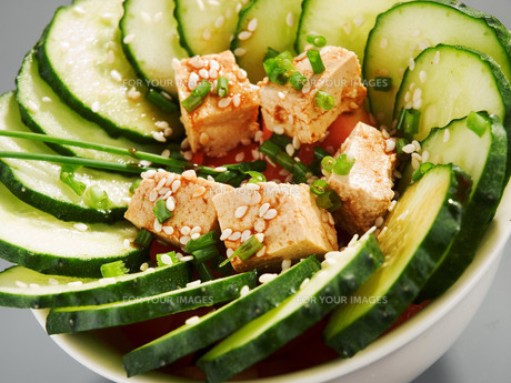 Healthy chinese cucumber salad,Healthy chinese cucumber saladの写真素材 [FYI00773413]