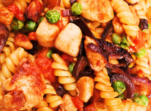 Pasta Collection - Fusilli with peas and chickenの写真素材 [FYI00773414]