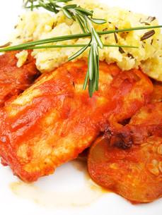 White fish in tomato sauce,White fish in tomato sauceの写真素材 [FYI00773416]