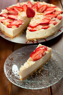 Cheesecake with strawberries,Cheesecake with strawberries,Cheesecake with strawberries,Cheesecake with strawberries,Cheesecake with strawberries,Cheesecake with strawberries,Cheesecake with strawberries,Cheesecake with strawberries,Cheesecake with strawbeの素材 [FYI00773507]