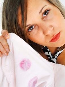 Lipstick on shirt,Lipstick on shirtの写真素材 [FYI00773533]