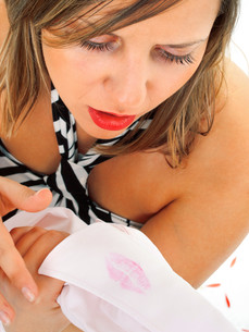 Lipstick on shirt,Lipstick on shirt,Lipstick on shirt,Lipstick on shirtの写真素材 [FYI00773548]