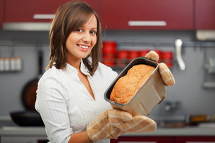 Young woman preparing bread,Young woman preparing bread,Young woman preparing bread,Young woman preparing bread,Young woman preparing bread,Young woman preparing bread,Young woman preparing bread,Young woman preparing bread,Young woman preparing bread,Youの素材 [FYI00773763]