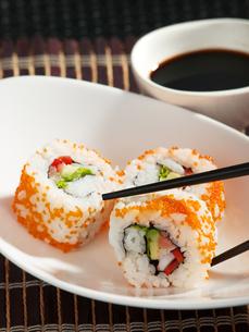 Uramaki sushi,Uramaki sushi,Uramaki sushi,Uramaki sushiの写真素材 [FYI00774180]