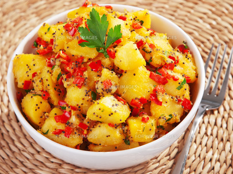 Potatos with sesame and cilantro,Potatos with sesame and cilantro,Potatos with sesame and cilantro,Potatos with sesame and cilantroの写真素材 [FYI00774203]
