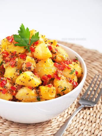 Potatos with sesame and cilantro,Potatos with sesame and cilantro,Potatos with sesame and cilantro,Potatos with sesame and cilantroの写真素材 [FYI00774212]