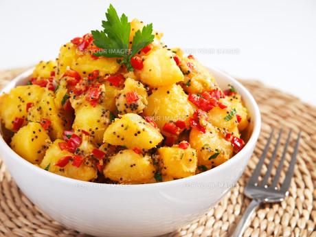 Potatos with sesame and cilantro,Potatos with sesame and cilantro,Potatos with sesame and cilantro,Potatos with sesame and cilantroの写真素材 [FYI00774221]