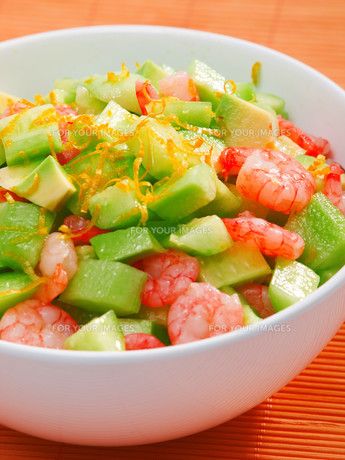 Shrimps salad with avocado and cucumbers,Shrimps salad with avocado and cucumbers,Shrimps salad with avocado and cucumbers,Shrimps salad with avocado and cucumbersの写真素材 [FYI00774231]