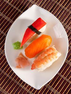 Nigiri Sushi,Nigiri Sushi,Nigiri Sushi,Nigiri Sushiの写真素材 [FYI00774235]