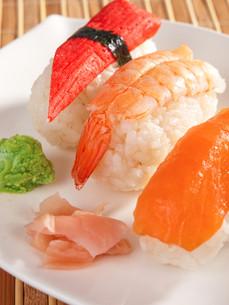 Nigiri Sushi,Nigiri Sushi,Nigiri Sushi,Nigiri Sushiの写真素材 [FYI00774261]