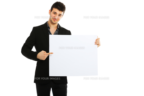 Young businessman holding blank board,Young businessman holding blank board,Young businessman holding blank board,Young businessman holding blank board,Young businessman holding blank board,Young businessman holding blank board,Young businessman holding bの素材 [FYI00774503]