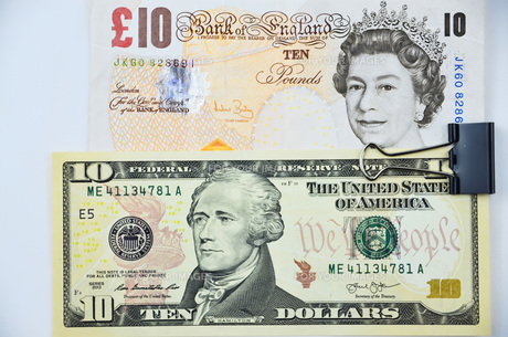 british pounds and us dollars banknotesの素材 [FYI00774506]