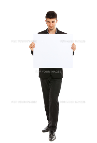 Young businessman holding blank board,Young businessman holding blank board,Young businessman holding blank board,Young businessman holding blank board,Young businessman holding blank board,Young businessman holding blank board,Young businessman holding bの素材 [FYI00774537]