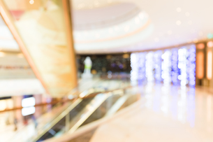 Abstract blur shopping mall backgroundの写真素材 [FYI00774603]