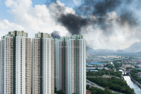 Fire accident in cityの写真素材 [FYI00774680]