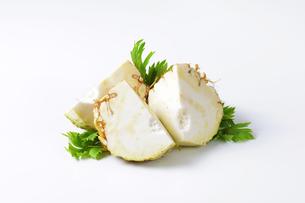 fresh celery rootの写真素材 [FYI00774828]