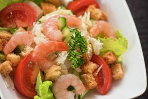 shrimp vegetable saladの写真素材 [FYI00775080]