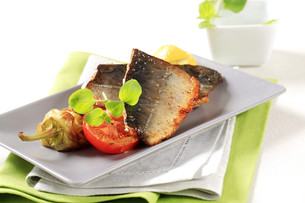 Pan fried trout filletsの写真素材 [FYI00775427]