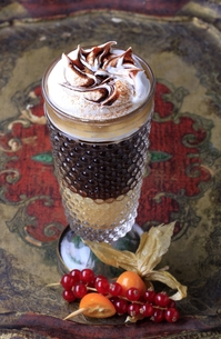Liqueur coffee with whipped creamの素材 [FYI00775454]