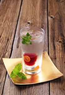 Cranberry juice cocktailの写真素材 [FYI00775524]