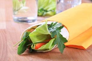 Wrap sandwichの写真素材 [FYI00775567]