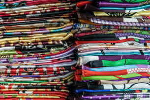 Colourful traditional Shawlsの写真素材 [FYI00775942]