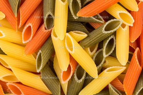 Three color penne pastaの素材 [FYI00776255]
