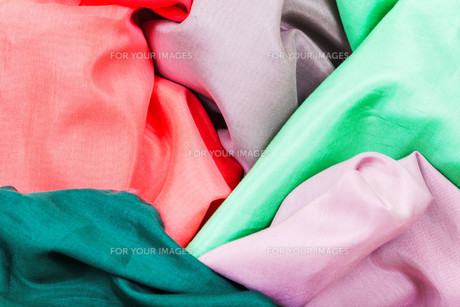 several pieces of silk batiste fabricsの素材 [FYI00776523]