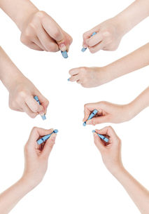 set of hands draw by dry blue pastel isolatedの写真素材 [FYI00776526]