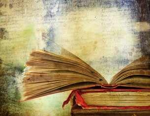 Vintage background with old books. Back to school conceptの素材 [FYI00776562]