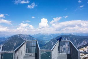 Five Fingers observation deck, Obertraun, Austriaの写真素材 [FYI00777053]