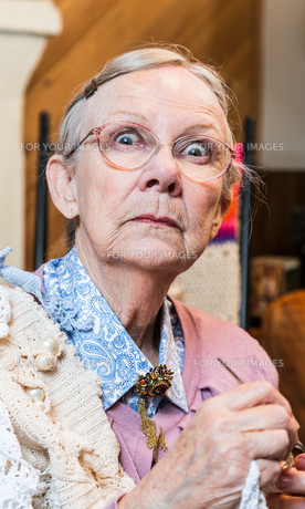 Startled Old Woman with Crochetの写真素材 [FYI00777119]