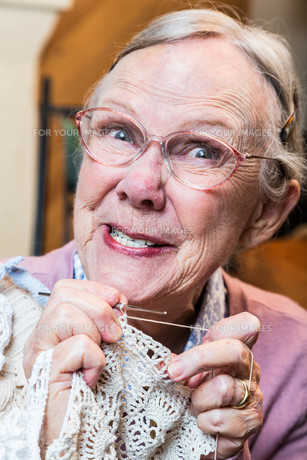 Crazy Old Lady with Crochetの写真素材 [FYI00777149]