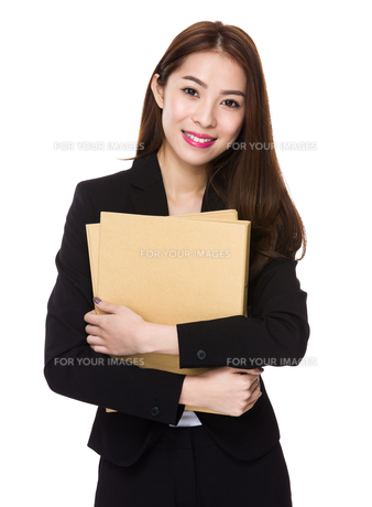 Businesswoman hold with document workの写真素材 [FYI00777169]