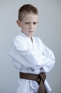 Young boy in karate gearの素材 [FYI00777369]