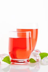 fruit flavored drinksの写真素材 [FYI00777573]