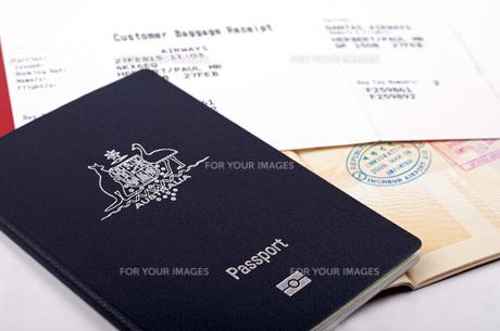 australian passport and luggage receiptの素材 [FYI00777691]