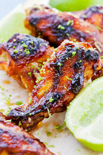 Barbecue Chicken Wingsの写真素材 [FYI00777870]