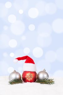 merry christmas advent christmas card with hat decorationの素材 [FYI00777882]