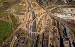 bochum west cross,a40,b1,highway,building site,br ckenbauwerk,country roads nrw,bochum stahlhausenの素材 [FYI00778044]