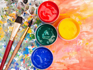 art still life - watercolor palette, paint brushesの写真素材 [FYI00778198]