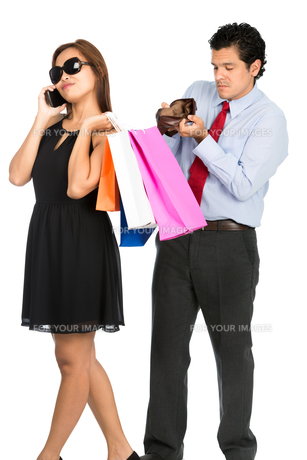 Couple Man Empty Wallet Shopping Woman Spender Vの写真素材 [FYI00778225]