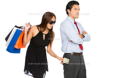 Shopping Woman Removing Money Standing Husband Hの写真素材 [FYI00778251]