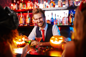 Barman of Halloween nightの写真素材 [FYI00779536]