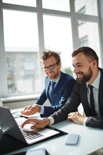 Businessmen consultingの写真素材 [FYI00779589]
