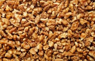 Chopped walnut backgroundの写真素材 [FYI00779881]