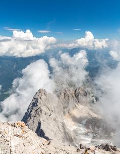 Zugspitze mountain top of Germanyの写真素材 [FYI00779934]