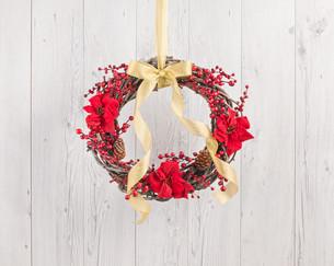 Advents wreath with autumn decorationの素材 [FYI00780015]