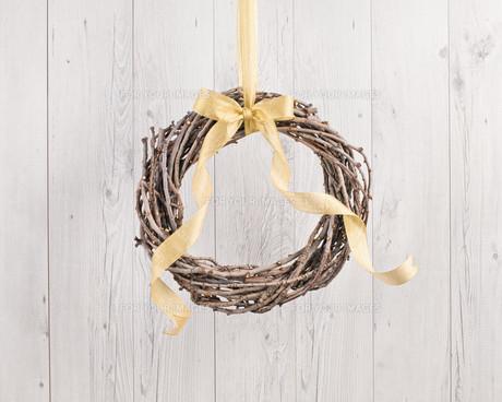 Advents wreath with autumn decorationの素材 [FYI00780034]