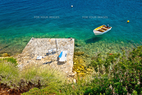 Lonely idyllic island beach aerial viewの写真素材 [FYI00780254]